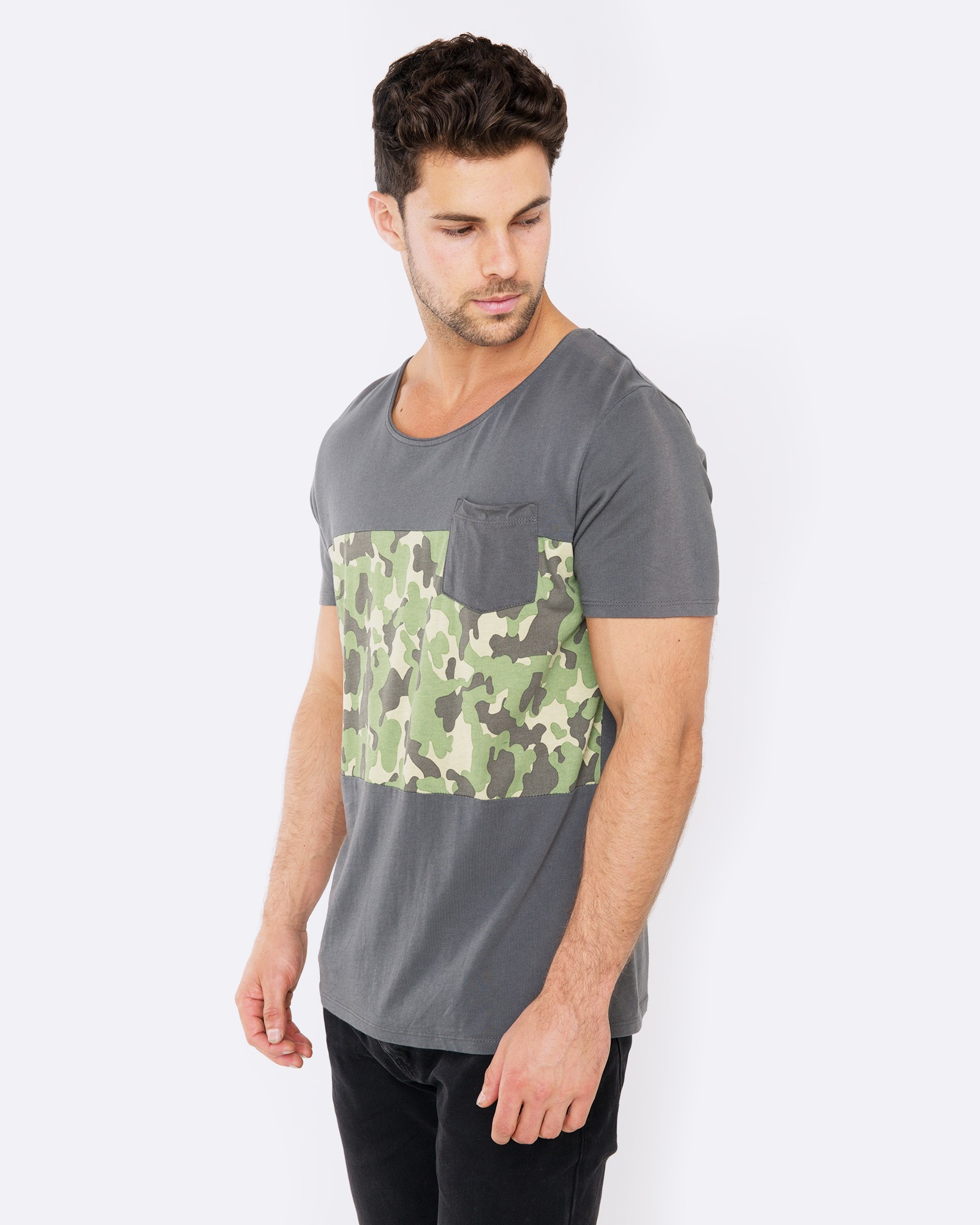 FIND ME IN THE WOODS GREY TEE