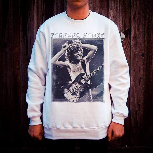 FOREVER YOUNG MENS WHITE CREW