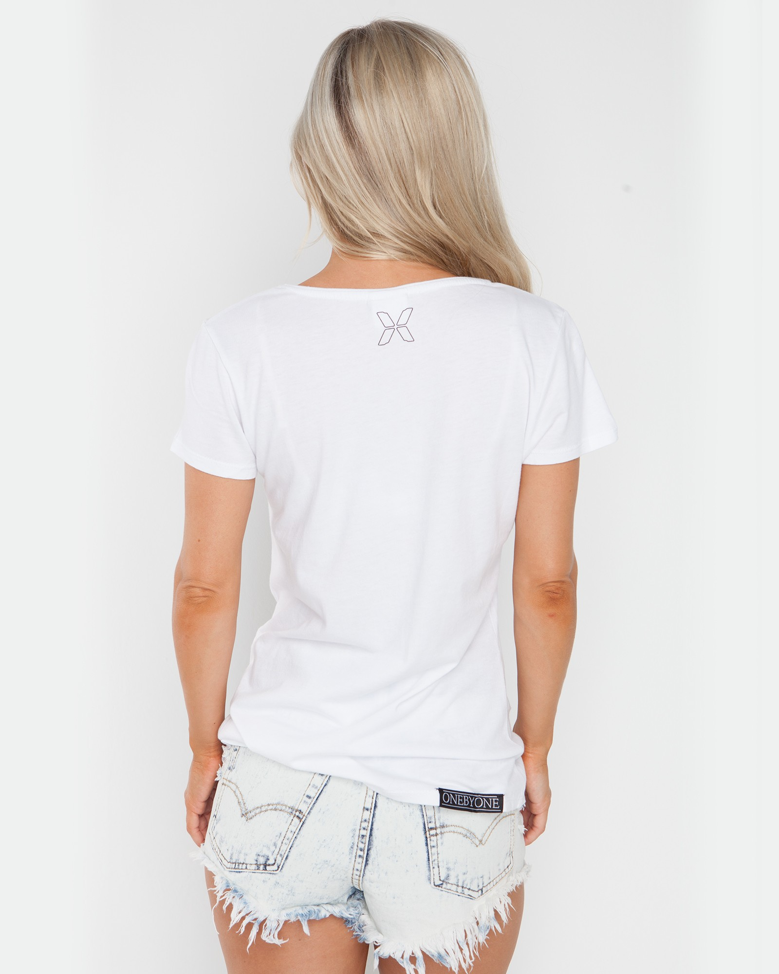 FRESH LOCO WHITE TEE