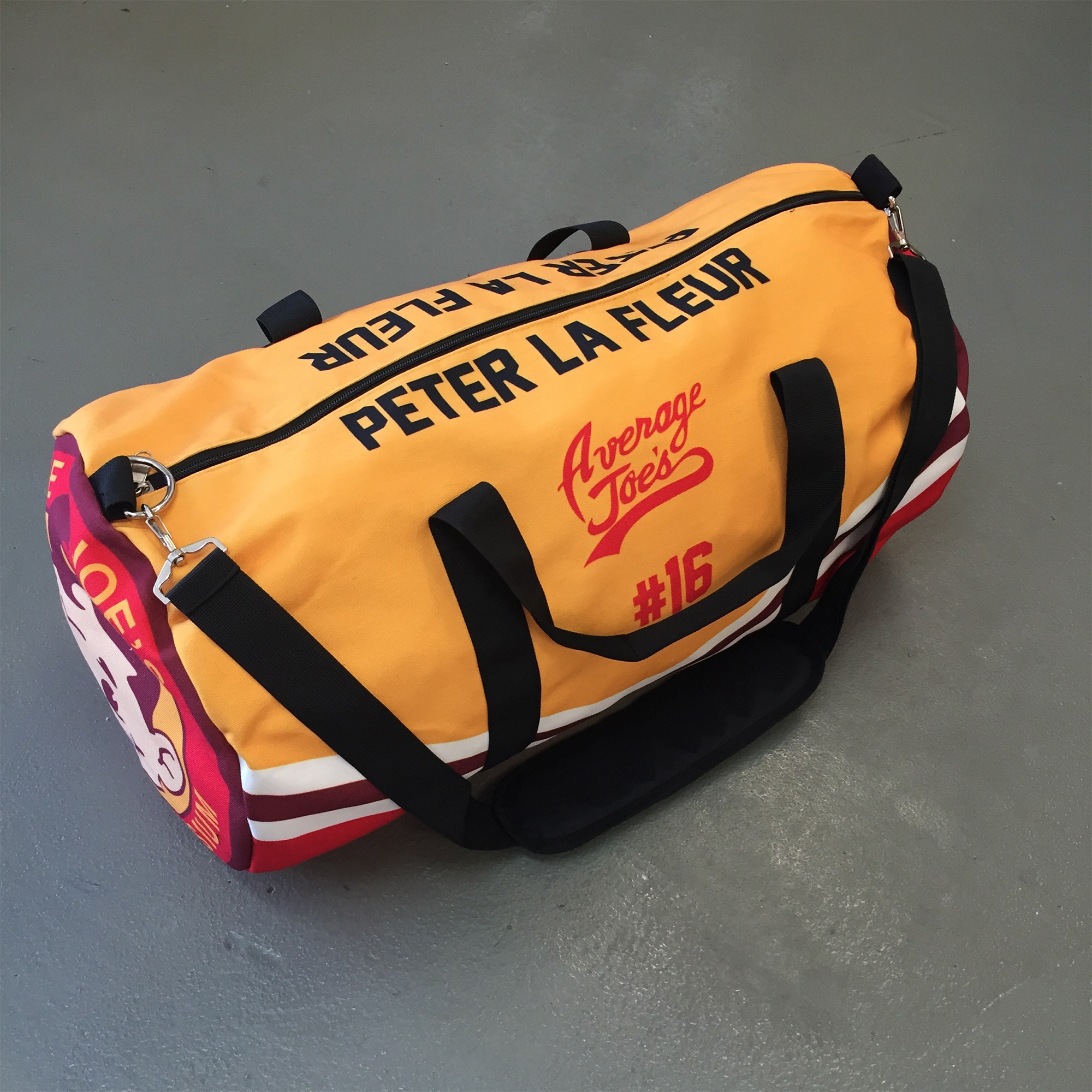 AVERAGE JOES GYM DUFFLE BAG