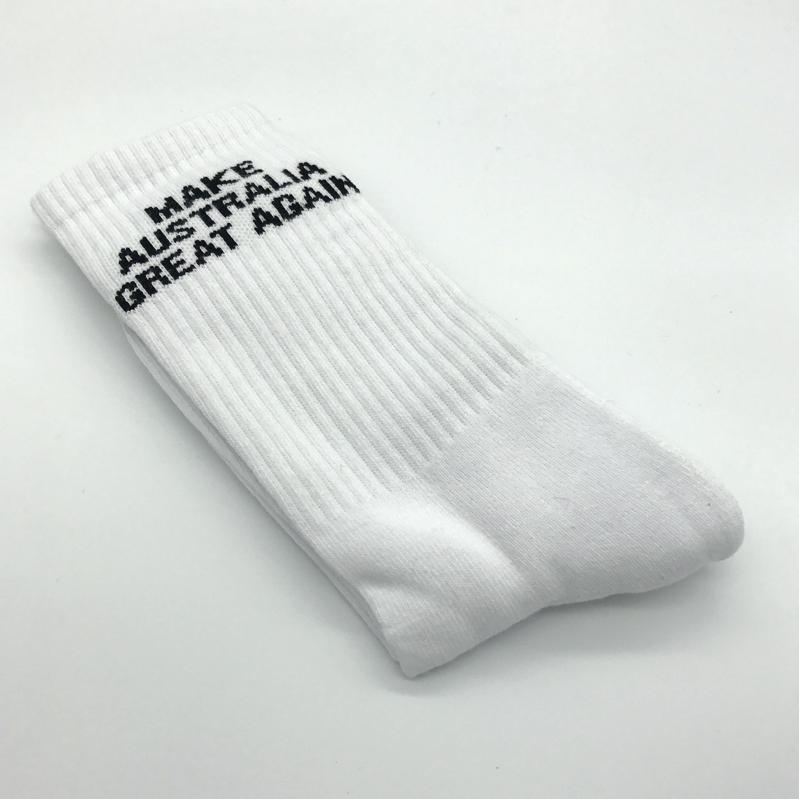 WHITE GREAT AGAIN SOCKS