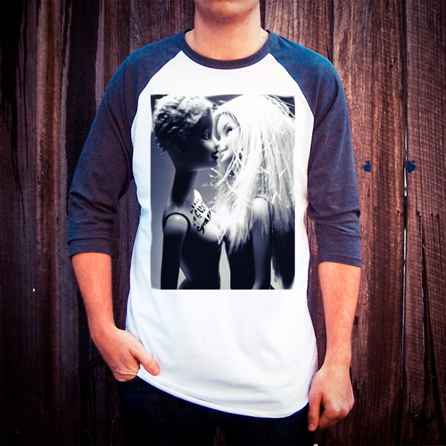 BARBIE KISS RAGLAN