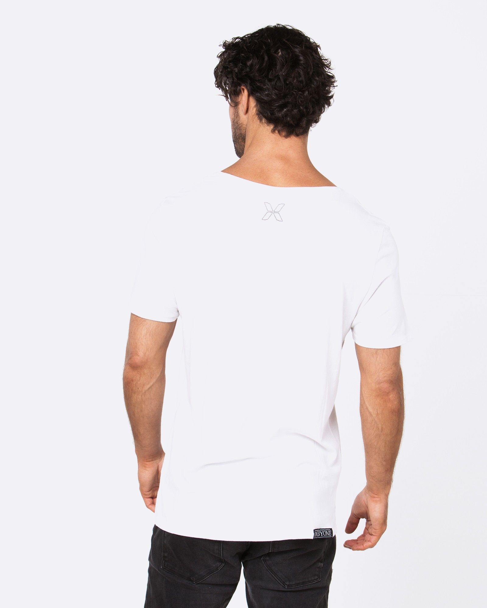 QUARTER BACK WHITE TEE