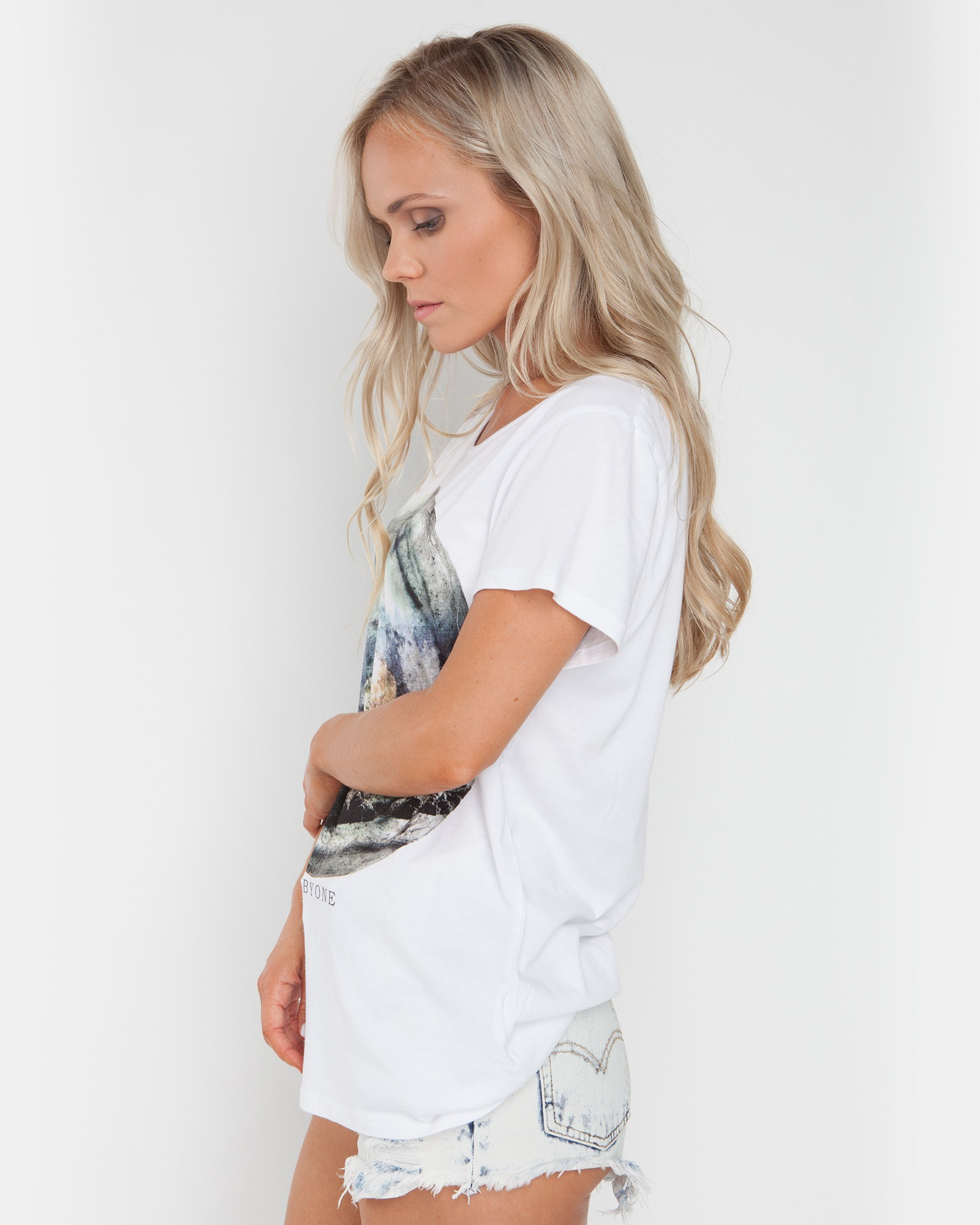 MOON DAY WHITE TEE