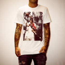 SCOTTIE AIR RAID WHITE TEE
